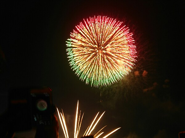 宮島花火大会でおすすめの宿泊先と、人混みを避けて花火を目の前で鑑賞できる穴場をご紹介