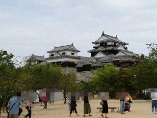 松山城へ行くにはロープウェイかリフトを利用して、伝説のみかんジュースを飲みに行こう!