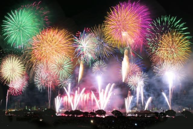 なにわ淀川花火大会で混雑を避けれる穴場をご紹介
